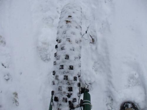 Snowy tire