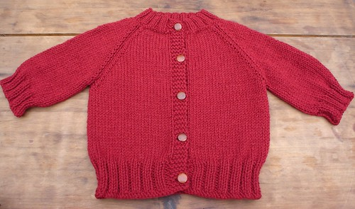 Chunky Knit Baby Cardigan Pattern Free : Ravelry: Top Down Raglan Baby Sweater pattern by Carole Barenys