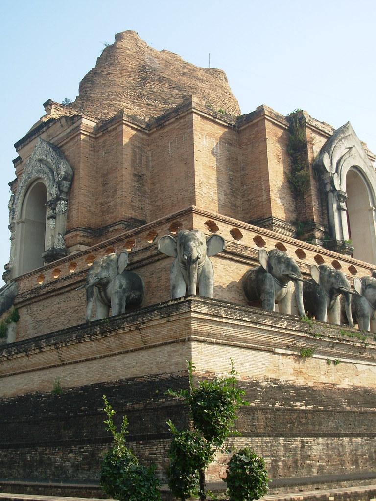 CM-W Chedi Luang (3)