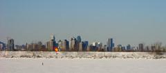 Montral vu de La Prairie (Denyse Bchard) Tags: winter snow kite canada ice water river eau montral hiver qubec neige 2008 glace fleuve stlawrenceriver cerfvolant fleuvesaintlaurent denysebchard