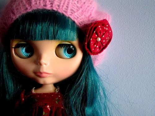 Pretty blue girl by madrizmemata.