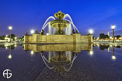 Blue/Gold Reflection (A.G. Photographe) Tags: sea mer paris france reflection ga nikon reflet reflect ag concorde uga nikkor reflexion fontaine franais hdr parisian placedelaconcorde foutain anto photographe xiii parisien 1424 fontainedesmers d700 1424mm antoxiii hdr5raw agphotographe stunningphotogpin