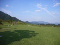 談合坂S.A.(上り)の広大な芝生エリア