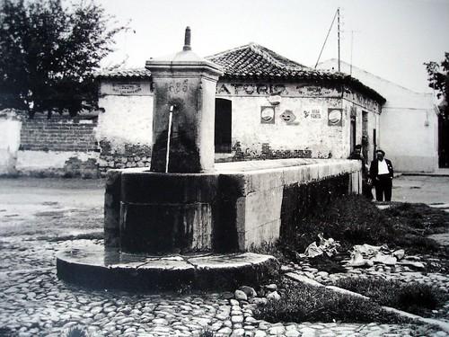 reunirse negro pequeña en Alcalá de Henares