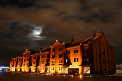 Yokohama Red Brick Warehouse (kazukichi) Tags: japan night clouds yokohama mywinners thebestofday gnneniyisi