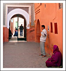 (L▲iv ©) Tags: africa street travel blue light sunset red people man sahara colors tag3 night square photography 1 photo flickr tag2 colours photographer tag1 shot market minaret ivan hijab rosa el mosque unesco morocco maroc marocco marrakech souk medina afrika 2008 marruecos rosso colori ghetto viaggio occidentale souq 08 koutoubia afrique fna lazzari mosquita jemaa marocchino المغرب djemaa laiv مراكش المغربية nikond80 laivphoto الكتبية 130108 marrākiš المغ بيةجامع 31°38′07″n8°00′01″w316352788000278coordinate31°38′07″n8°00′01″w316352788000278