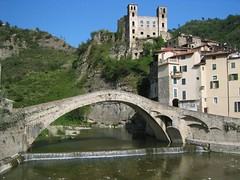 A Bridge over Sweet Water (fotopusch) Tags: old italien bridge italy italia liguria medieval historic berge doria brcke medievale ferien oldcity burg dolceacqua mittelalter goldenglobe ligurien flus