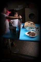 Behind The Scene : Asisten Cilik (Pinot & Dita) Tags: fork spoon bowl arwen goreng leia sop teatowel buntut