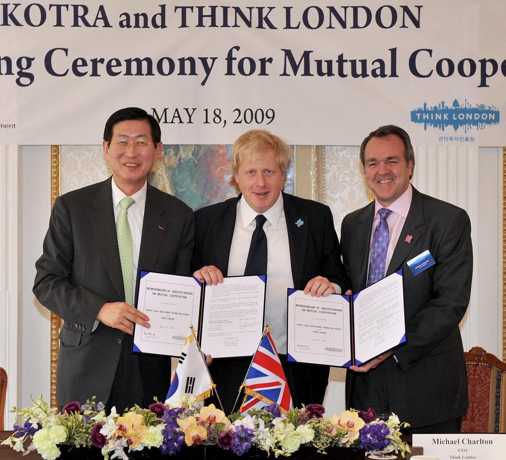 Korean MOU signing with Boris Johnson