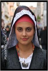 costume di Cabras (Marcello Trois) Tags: sardegna portrait colors beauty costume sardinia festa ritratto cagliari bellezza cabras tradizioni casteddu santefisio marcellotrois