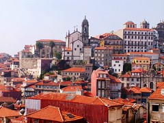 A walk through the roofs of Porto III