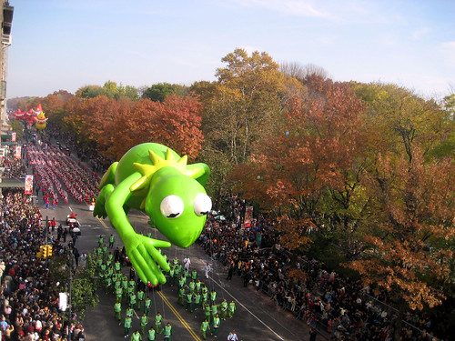 Kermit hails the masses