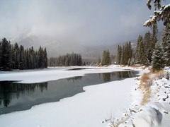 20041119_6675 (Swany) Tags: ice banff bowriver