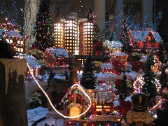 The awesome Christmas display at the Bonaventure. (12/09/2007)
