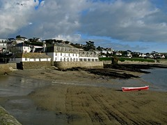 Idle Rocks Hotel at St Mawes (Bob.Bee) Tags: sea coast boat cornwall stmawes kernow gigg idlerockshotel windsandandwater