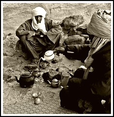 Tea time (denismartin) Tags: world portrait people men sahara women bestof ricohgr wste tamanrasset  ahaggar tassiliduhoggar tagrera  denismartin  tinakacheker elghessour ghessour tamanghasset flickraward tamenghest areyoureadyforthenewadventure