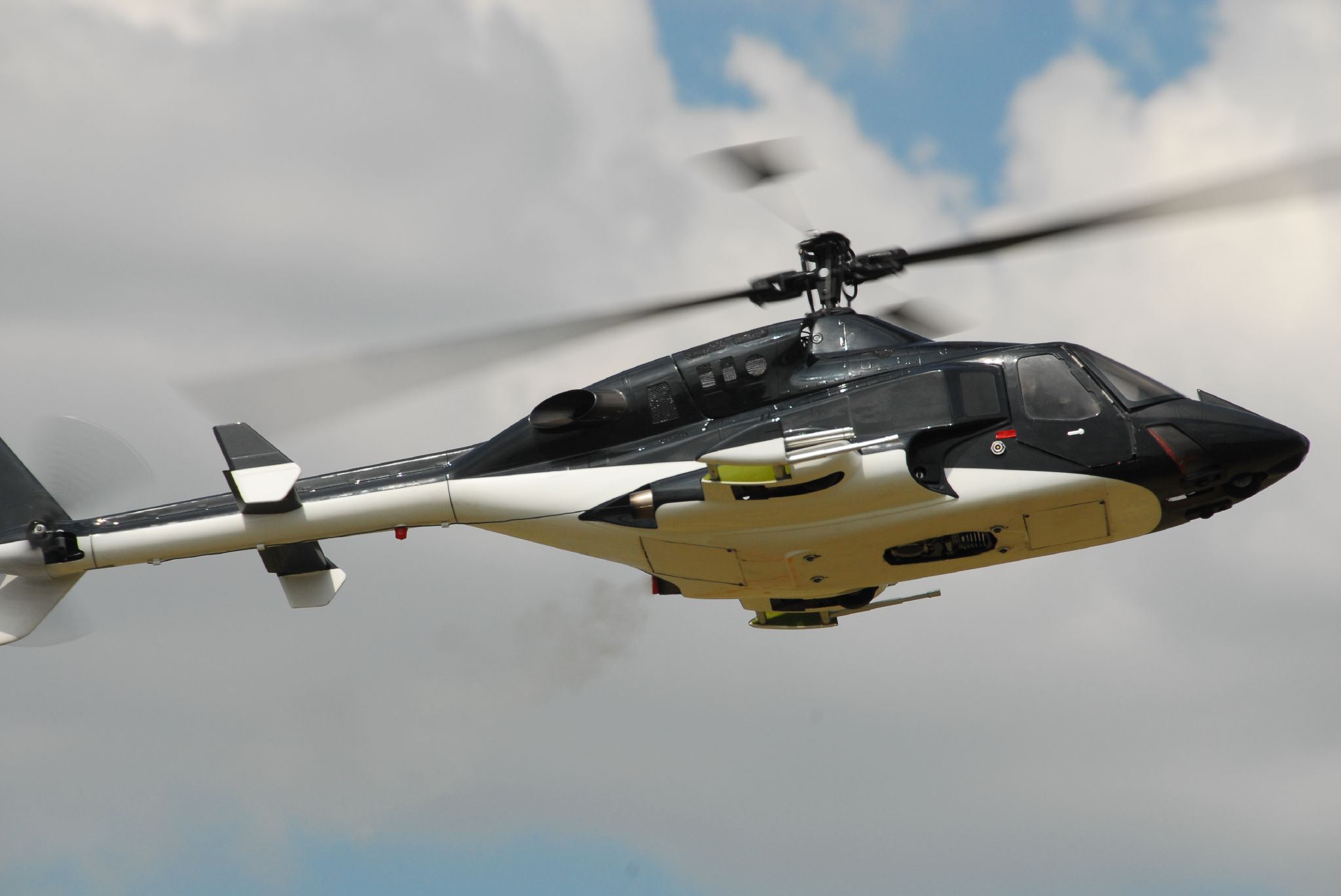 bell rc helicopters with Bell 222 Purzuit on Osprey further List of united states military helicopters further 21532 also 5111 Dom Na Xolme as well Watch.