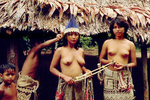 Girls in a Amazone village in Peru. One of the primary tourist attractions ...