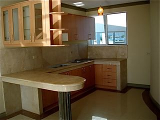 Ecuador-coastal-condo-kitchen