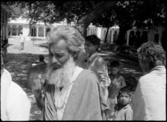 IISG_Ewald-Vanvugt_085_011 (IISG) Tags: ewaldvanvugt india pelgrim pilgrim man male