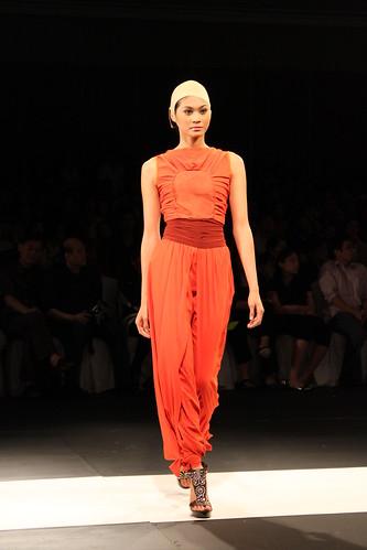 Russell Villafuerte, Design Fusion - PFW Holiday 2011