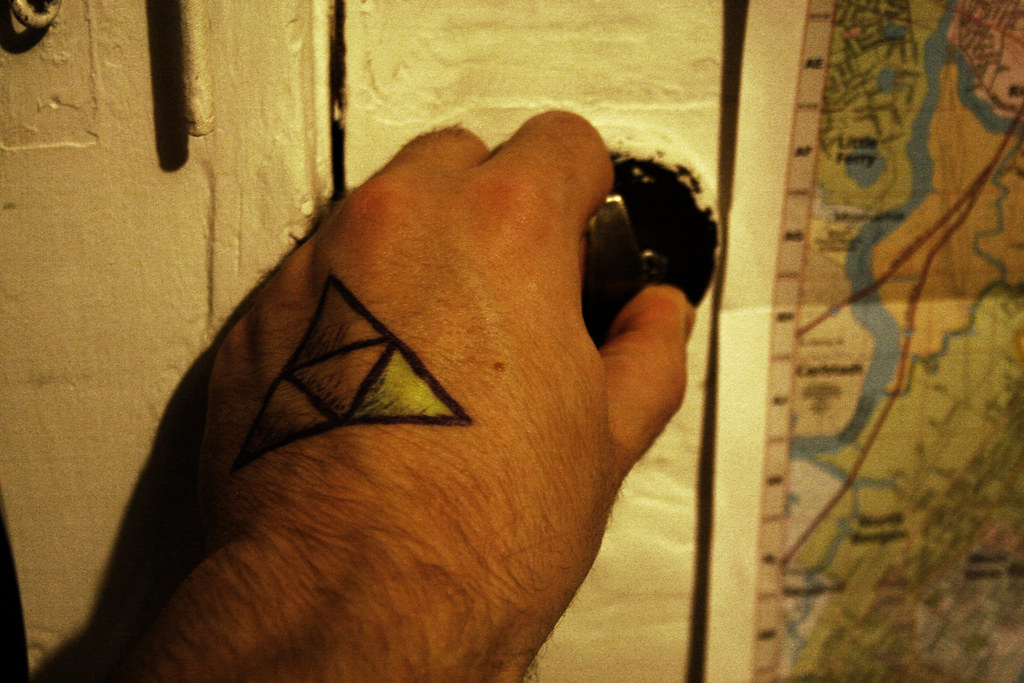 The world 39 s best photos of triangle and triforce flickr for Triforce hand tattoo