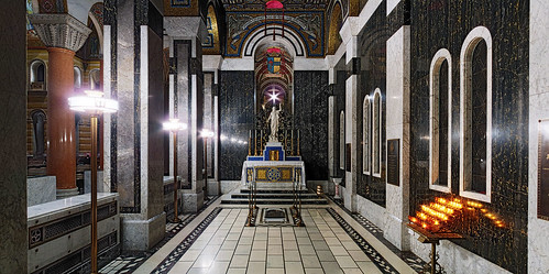 Cathedral Basilica of Saint Louis, in Saint Louis, Missouri, USA - All Souls Chapel panorama.jpg