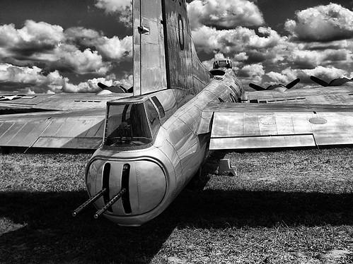 Warbird picture - B-17 Tail Gunner