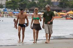 Tattooed girl and two boys walking at the beach (Ricardo Carreon) Tags: brazil people woman men praia beach boys girl brasil topv2222 tattoo women saopaulo gente candid topv1111 topv999 playa topv5555 sp bikini blonde rubia paparazzi trio topv9999 topv3333 topv4444 bathingsuit swimsuits loira tatuaje guaruja tatuagem biquini robada topv8888 roubada tattooedgirl 10000views tattooedwoman swimware sampaist mujertatuada