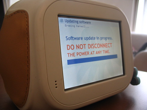 chumby: software update in progress by AndreasPizsa, on Flickr