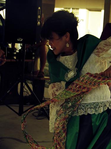 2488122102_3179510c2a - Beautiful Filipiniana Dancer - Philippine Photo Gallery