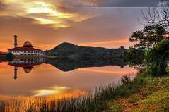 Darul Quran  -HDR (zzclef) Tags: sunset reflection dq hdr kkb kualakububaru annamir darulquran buyie epicmazur reflectiontechnique