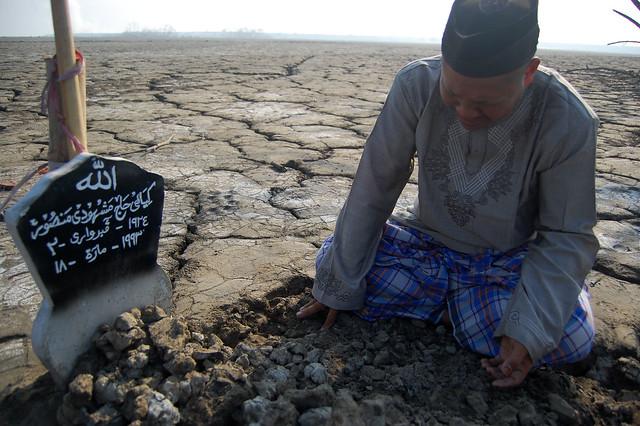 pesantren yang sekarang sudah lenyap di telan bencana lumpur lapindo.