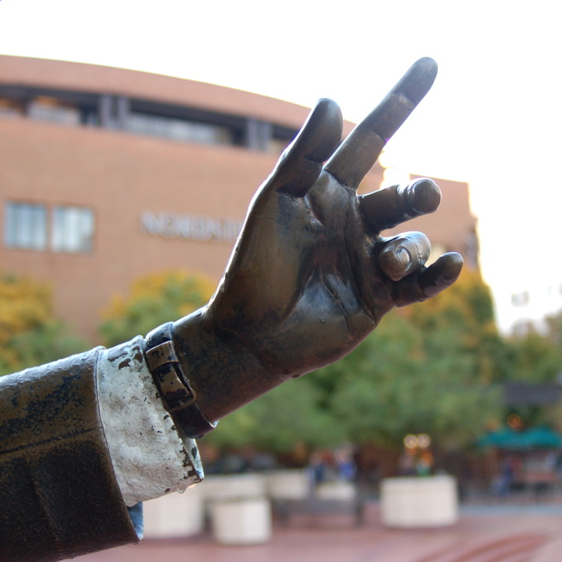 statue_hand_fingers