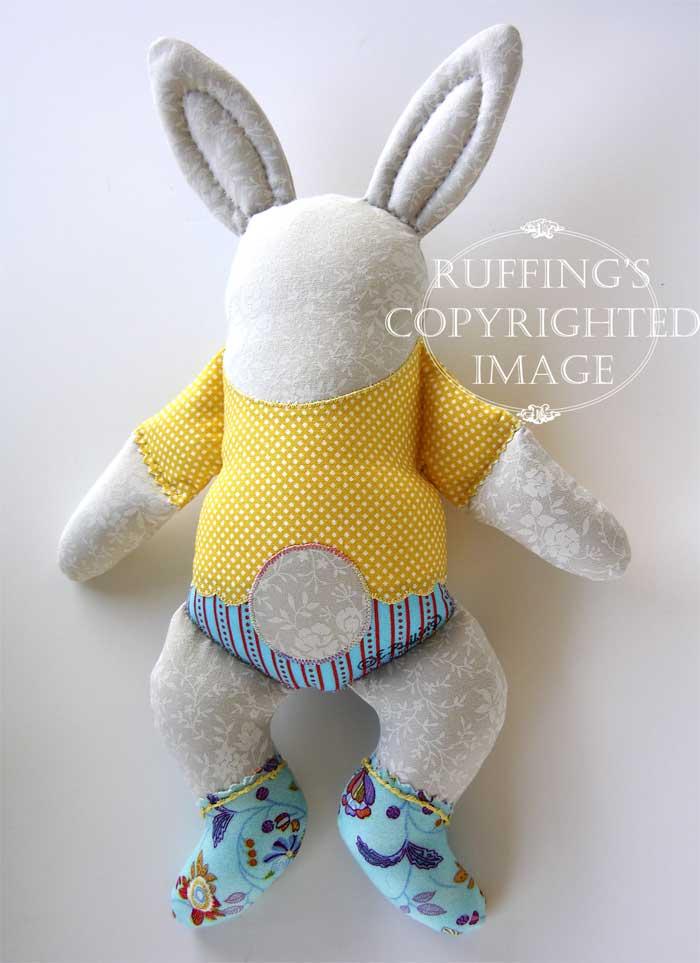 Huggy Bunny by Elizabeth Ruffing