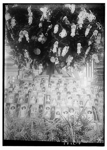 Christmas,  Show Window (LOC)
