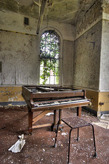 Grand piano (Richard-James) Tags: abandoned cane hospital decay hill piano medical ward lunatic asylum derelict croydon wards decaying ue mental coulsdon urbex canehill