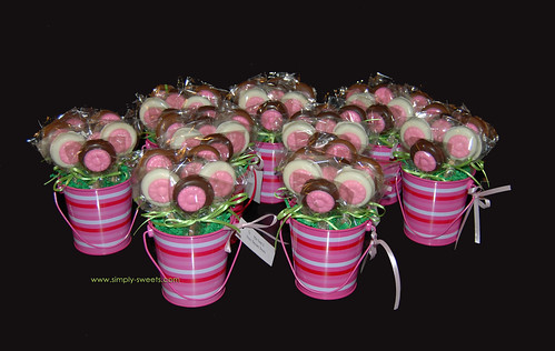 Oreo daisy pink striped baskets