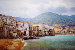 Lights over Cefalú ☀️, Sicilia 🇮🇹 (odeh3) Tags: voyage italia sea island travel roadtrip summerside lights colors cefalu sicilia