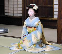 maiko's dance (September_Okayama) Tags: portrait music beauty japan garden temple japanese dance kyoto pentax performance maiko geiko geisha  tamron  kamishichiken  naokazu