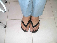flipflop2 (johnnysandled) Tags: feet sandals flipflop jeans malefeet guysandals dudesandals