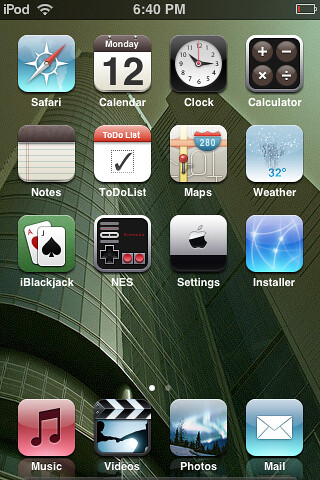 iPod Touch Screenshot. using Louie Mantia - Holiday theme