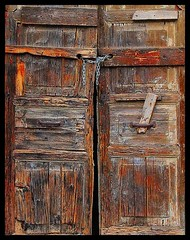Old door (Nespyxel) Tags: wood old top20decay oldwood legno portone olddoor challengeyouwinner mailciler nespyxel stefanoscarselli fotocompetition fotocompetitionbronze pleasedontusethisimageonwebsites blogsorothermediawithoutmyexplicitpermissionallrightsreserved