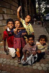 street kids (3pom) Tags: street baby india girl kids kid pom bombay inde mumbay mazoyer 3pom