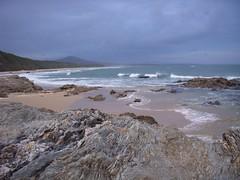 Strand...Felsen...keine Menschen (Nihonyoko) Tags: harbour coffs 231207