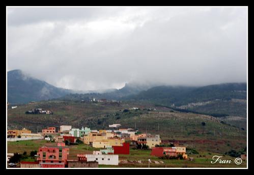 gurugú cubierto de nubes
