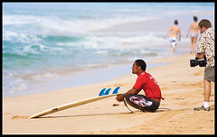 A Moment of Peaceful Contemplation (konaboy) Tags: beach hawaii oahu surfer surfing northshore cameraman videographer banzaipipeline 14725 dahuibackdoorshootout