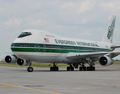 Evergreen International Airlines Boeing 747-212B(SF) (N486EV) (Michael Davis Photography) Tags: airplane photography nashville aviation jet boeing boeing747 b747 taxiway 747200 kbna cargoplane evergreeninternational cargojet cargoramp n486ev