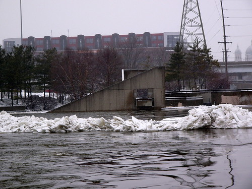 Grand River, 6 February 2008, 9:00am by John Winkelman, on Flickr