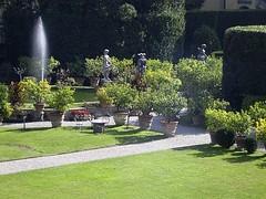 ACHTERTUIN / BACKYARD (Anne-Miek Bibbe) Tags: italy garden italia lucca itali bibbe onlythebestare annemiekbibbe